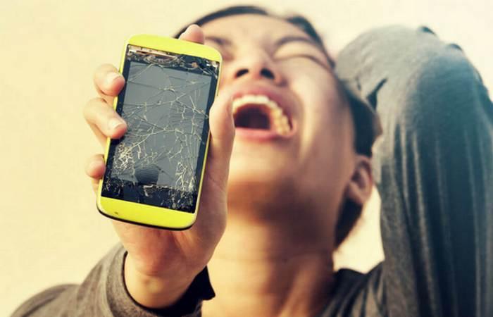 Ночной кошмар: «Неисправность телефона».