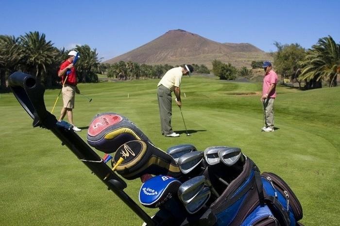 Носок как спасение: эконом-вариант для гольфа.