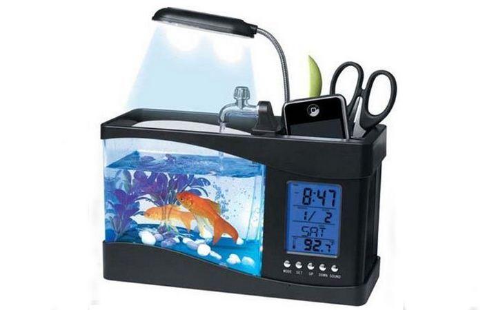 Офисный гаджет: настольный USB-аквариум.
