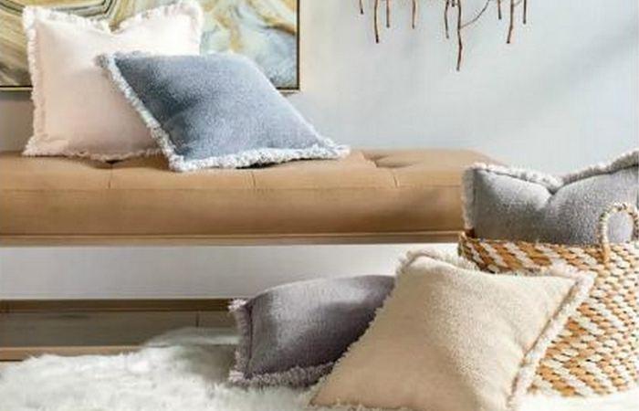 «Каменная» подушка.