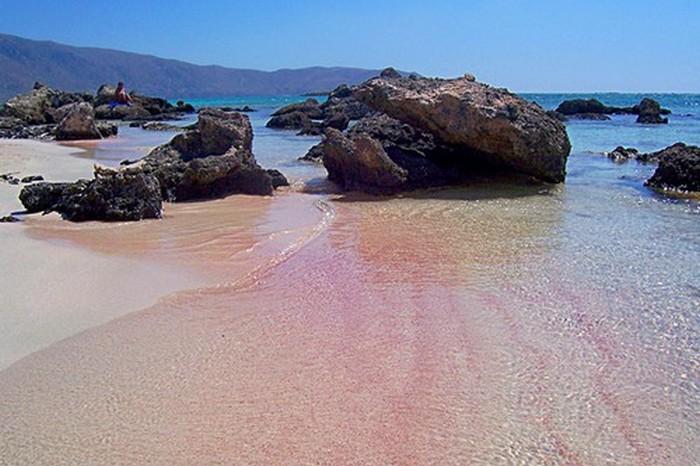 Розовый пляж «Элафониси».
