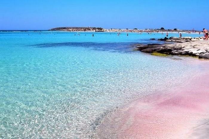 Розовый пляж «Лагуна Балос».