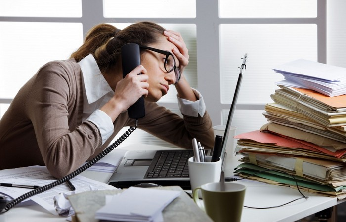 Игнорировать телефонные звонки и перезванивать во время перерыва.