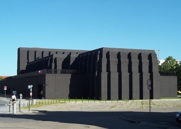 Пугающее здание: Театр Шекспира.