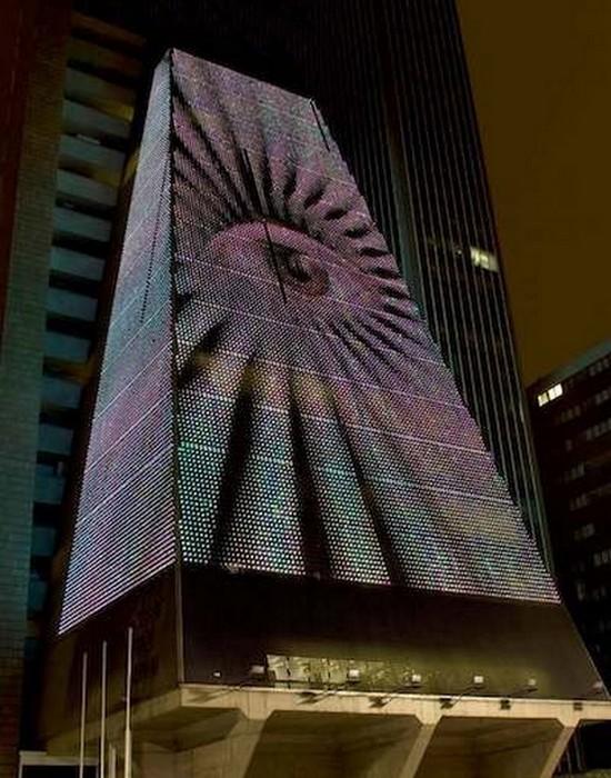 Пугающее здание Федерации промышленности в Сан-Паулу.