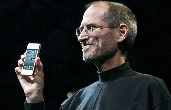 Отец-основатель Стив Джобс.