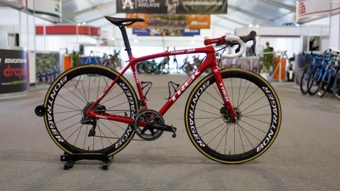 Профессиональный велосипед «Trek Emonda».