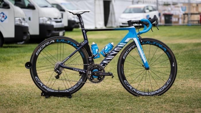 Профессиональный велосипед «Canyon Aeroad CF SLX».
