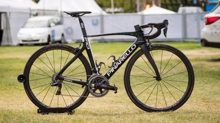 Профессиональный велосипед «Pinarello Dogma».