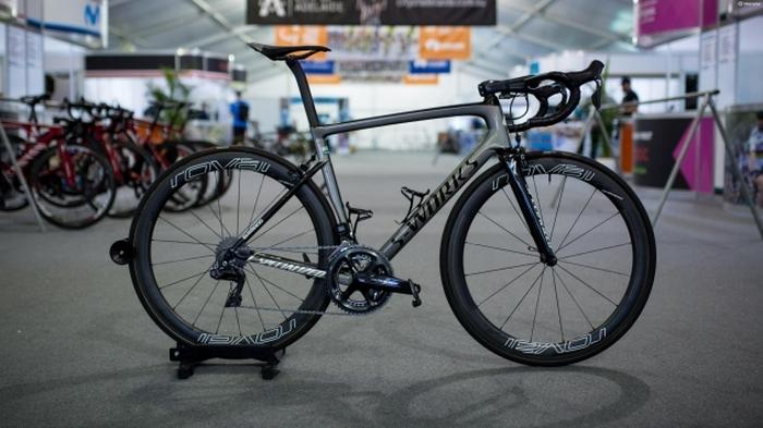 Профессиональный велосипед «Specialized Tarmac».
