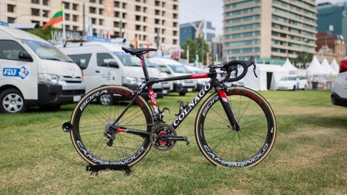 Профессиональный велосипед «Colnago V2-R».