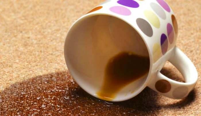 Кофе на кофре - серьёзная проблема.