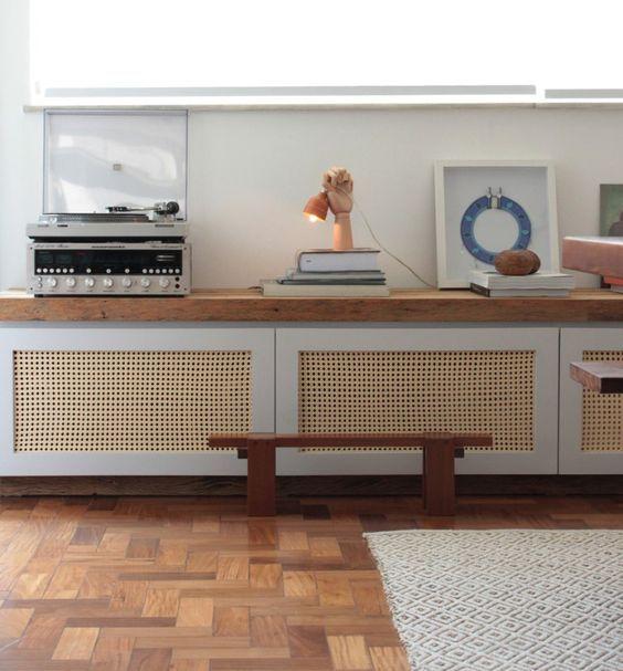 Натуральная мебель всегда в цене.