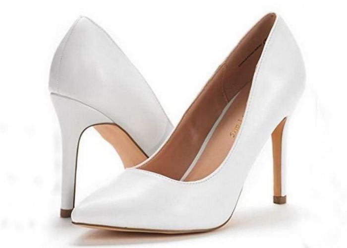 Нелепая мода из прошлого возвращается: белые каблуки.