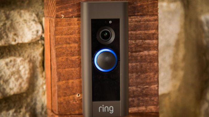 Дверной звонок, который может видеть в темноте.
