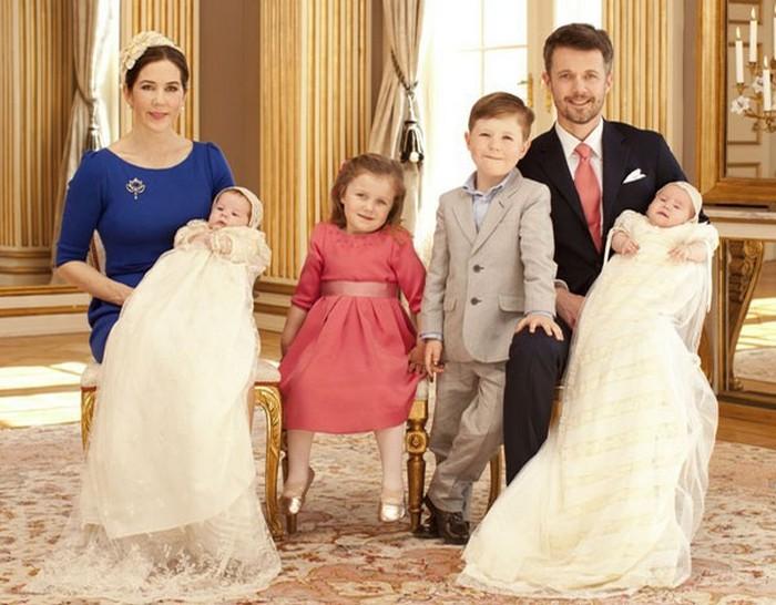 Семья датских монархов - образец для общества.