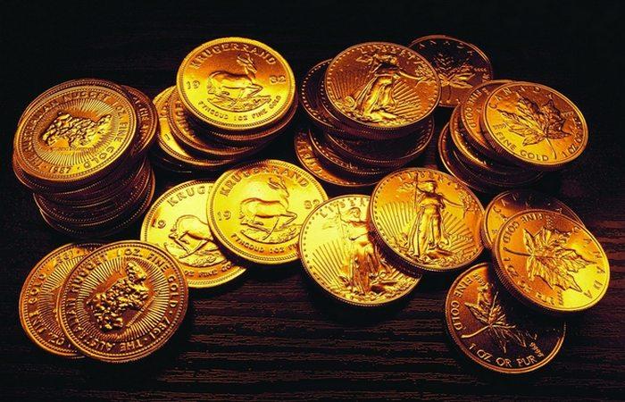 Обнаружены в сейфе: золотые монеты.
