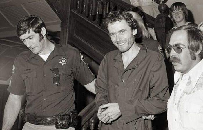 Обнаружены в сейфе: 40-летние фотографии Теда Банди.