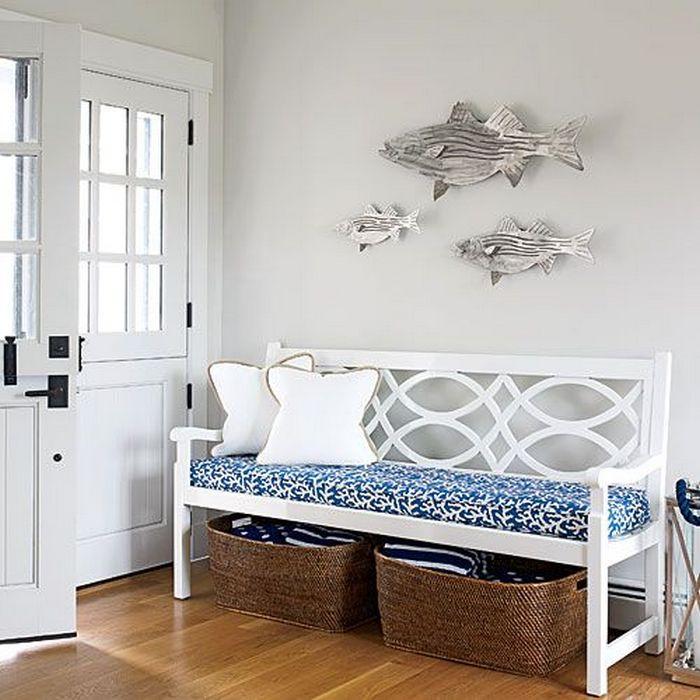 Скамья в винтажном стиле подойдёт для любого интерьера.