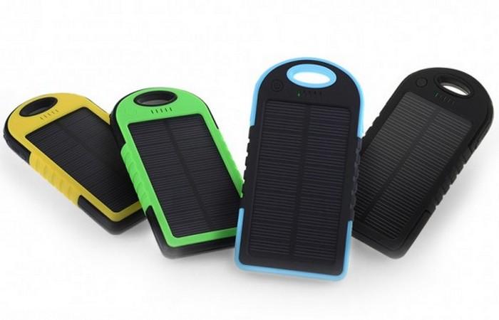 Универсальное водонепроницаемое солнечное зарядное устройство.