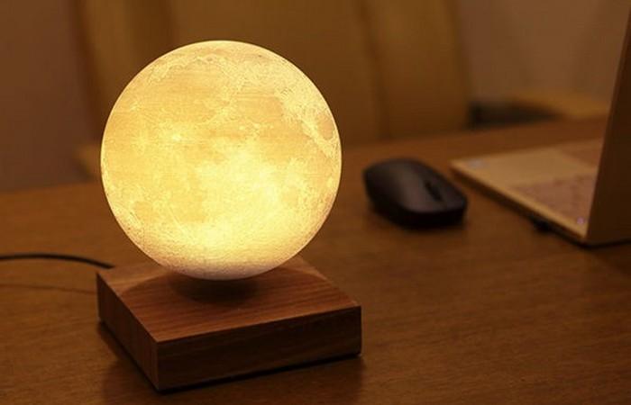 Levimoon: первая в мире левитирующая карманная Луна.