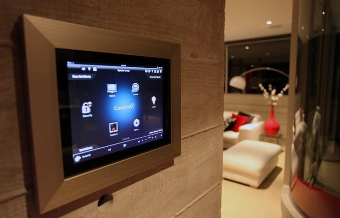 Интеллектуальный контроль дома с системой «Smart House».
