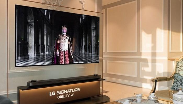 Смарт телевизор LG Signature OLED TV.