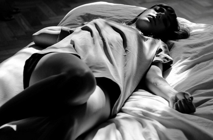 Подёргивания тела во сне.