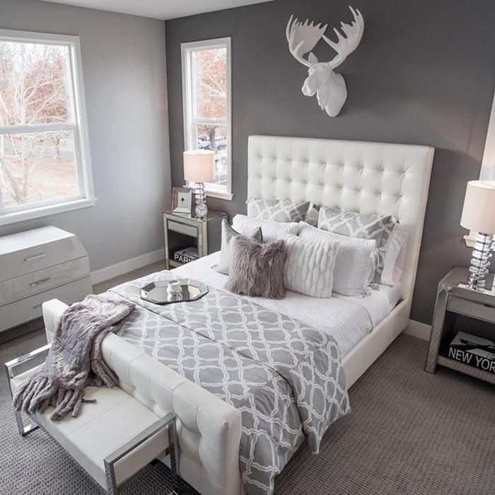 Подушки как уютный элемент декора.