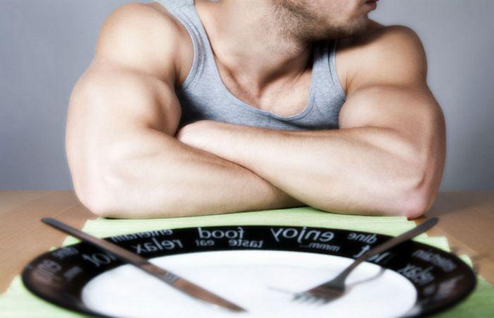 Голодание ускоряет метаболизм.