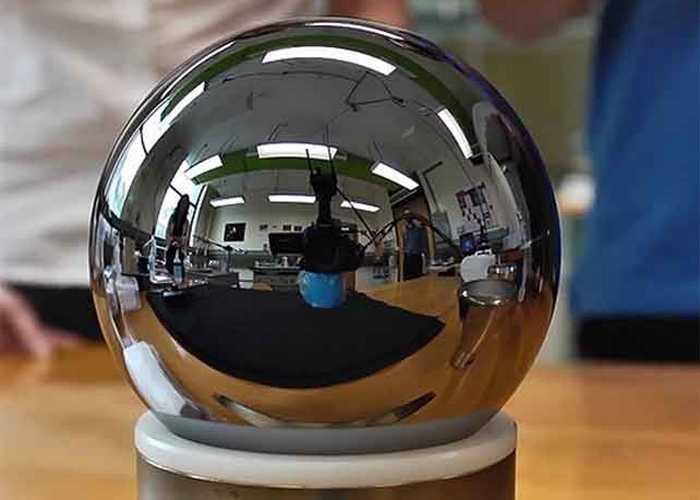 Совершенная сфера монокристалла кремния-28.