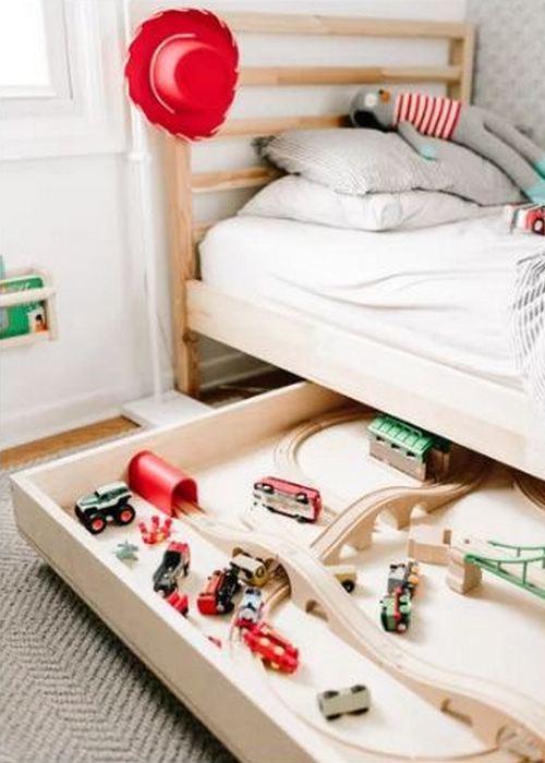 Место для хранения вещей: «Под детской кроватью».