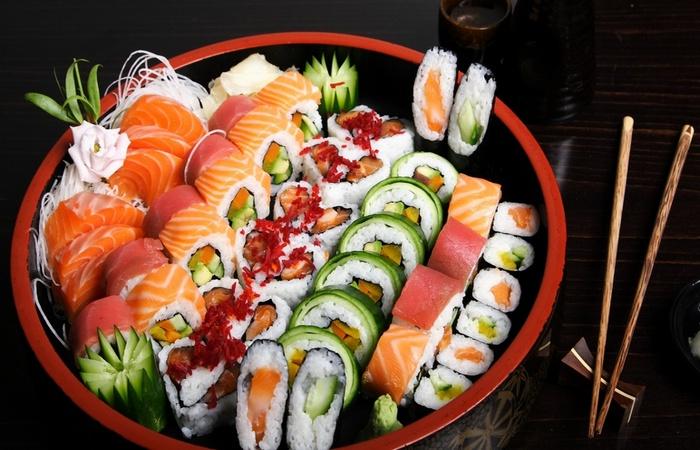 Суши - вкусно и полезно.