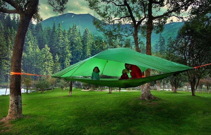 «Домик», который всегда со мной: палатка на дереве.