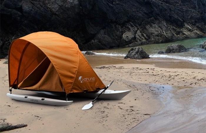 «Домик», который всегда со мной: палатка для байдарок-аутригеров.