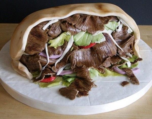 Невероятно детализованные тортики.