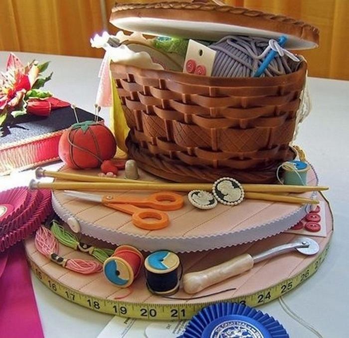 Тортик для рукодельниц.