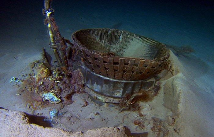 Были скрыты под водой двигатели Apollo 11.