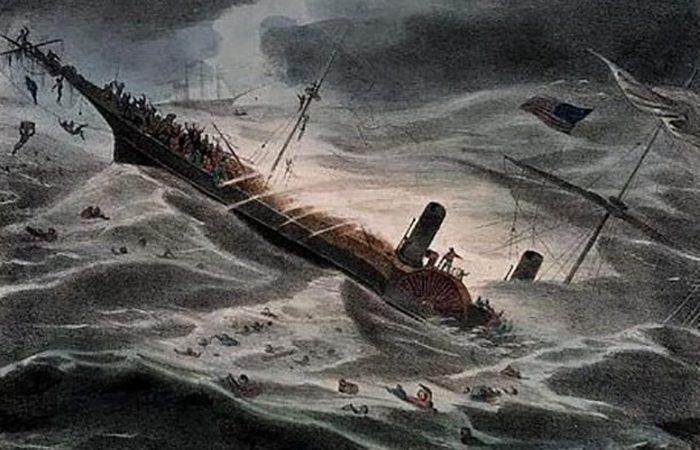 Был скрыт под водой корабль «Центральная Америка».