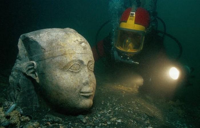 Был скрыт под водой город Гераклион.