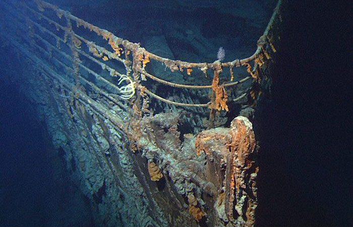Был скрыт под водой корабль «Титаник».