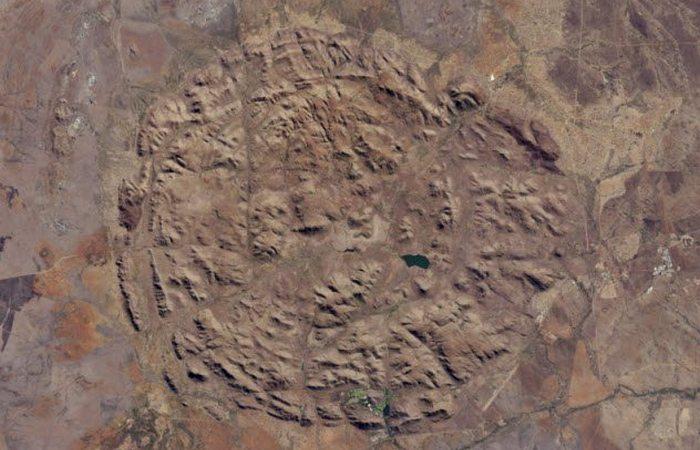 Вулканы раскрывают тайну: гигантские кольца Пиланесберга.