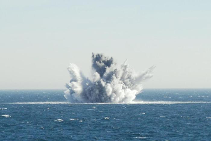 Подводный взрыв.
