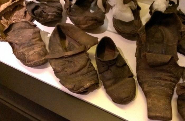 Спрятанная обувь.