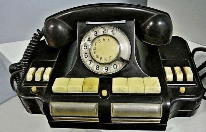 До появления Интернета запоминали номера телефонов.