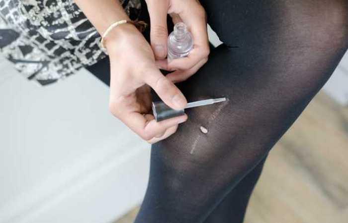 Проблема решена: прозрачный лак для ногтей.