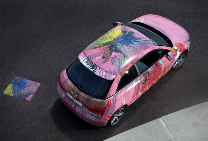 Audi A1, разрисованный Дэмьеном Херстом.
