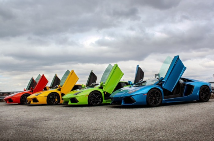 Радуга из суперкаров  Lamborghini.