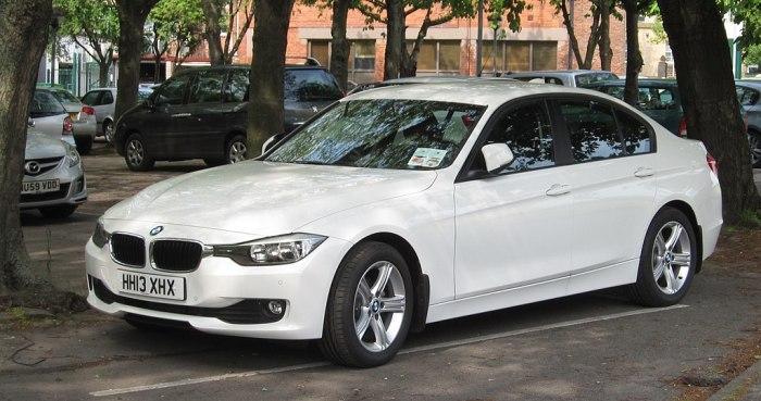 BMW 316i в кузове F30. | Фото: en.wikipedia.org.