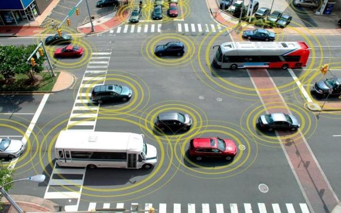 Современные автомобили получают информацию и от других машин.